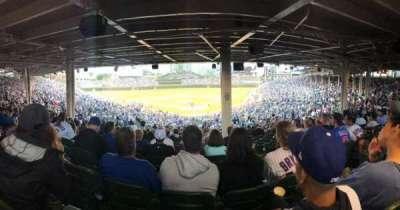 Wrigley Field, sección: 220, fila: 19, asiento: 102