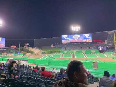 Angel Stadium, sección: 112, fila: M, asiento: 2