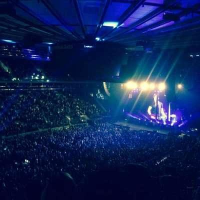 Madison Square Garden, sección: 208, fila: 5, asiento: 6