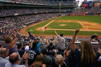 Yankee Stadium, sección: 216, fila: 6, asiento: 214