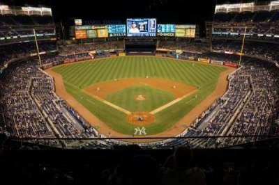 Yankee Stadium, sección: 420B, fila: 3, asiento: 13