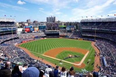 Yankee Stadium, sección: 421, fila: 6, asiento: 14