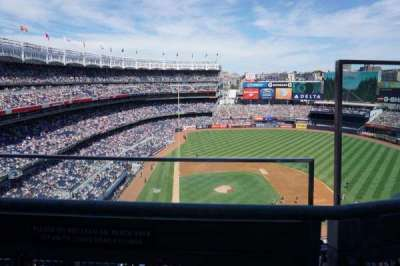 Yankee Stadium, sección: 418, fila: 1, asiento: 2