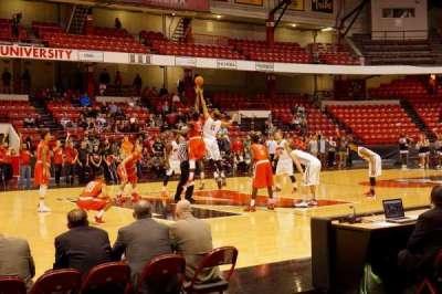 Matthews Arena, sección: 24, fila: A, asiento: 11