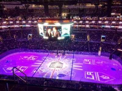 Staples Center, sección: 334, fila: 6, asiento: 17