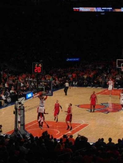Madison Square Garden, sección: 103, fila: 18, asiento: 13