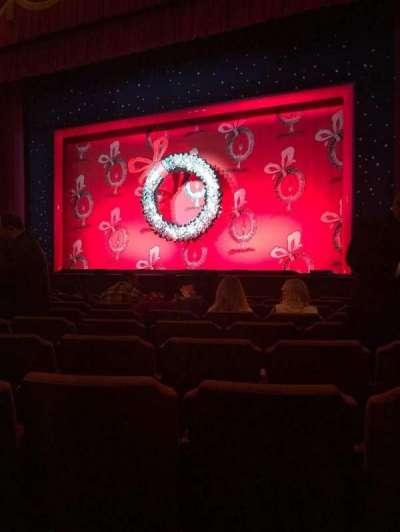 Fox Theatre (Detroit), sección: F4, fila: J, asiento: 414
