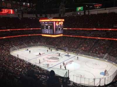 Honda Center, sección: 429, fila: H, asiento: 2