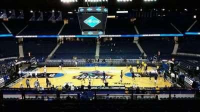 Allstate Arena, sección: 210, fila: G, asiento: 28