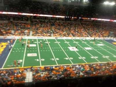 Spokane Arena, sección: 215, fila: M, asiento: 18