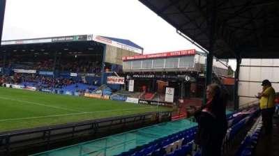 Boundary Park, sección: Oldham Athletic, fila: D, asiento: 75