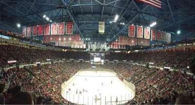 Joe Louis Arena, sección: 201, fila: 11, asiento: 4