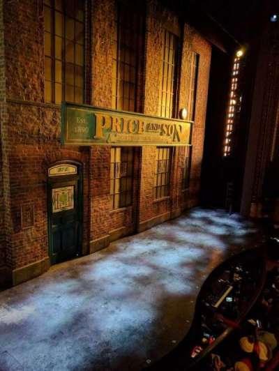 Al Hirschfeld Theatre, sección: LBOX, fila: B, asiento: 3