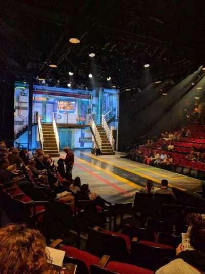 Circle in the Square Theatre, sección: ORCH, fila: E, asiento: 121