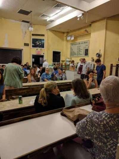 Barrow Street Theatre, sección: Table, fila: E, asiento: 5