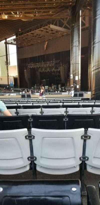 Hollywood Casino Amphitheatre (Tinley Park), sección: 203, fila: zz, asiento: 4