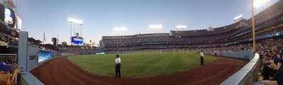 Dodger Stadium, sección: 53FD, fila: AA, asiento: 1