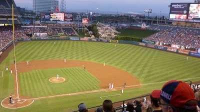 Angel Stadium, sección: V423, fila: G, asiento: 1