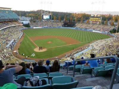 Dodger Stadium, sección: 4RS, fila: K, asiento: 22