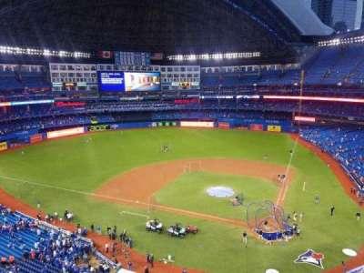 Rogers Centre, sección: 526L, fila: 2, asiento: 106