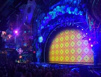 Palace Theatre (Broadway), sección: Orchestra Right, fila: M, asiento: 2