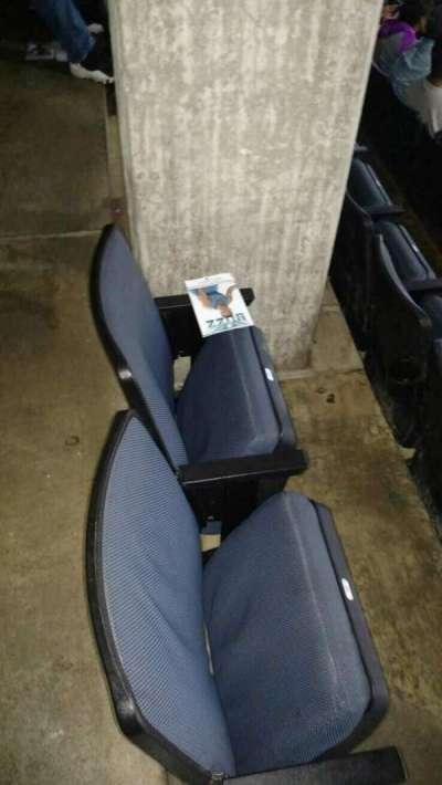 Spectrum Center, sección: 116, fila: DD, asiento: 37,38