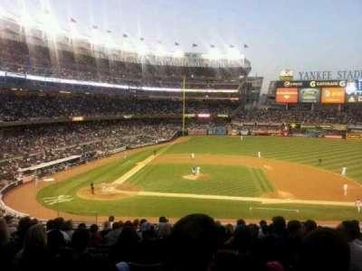 Yankee Stadium, sección: 216, fila: 13, asiento: 14