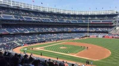 Yankee Stadium, sección: 214a, fila: 17, asiento: 9
