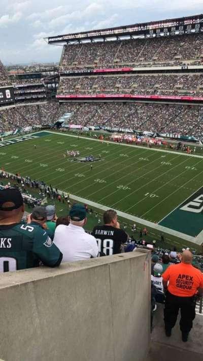 Lincoln Financial Field, sección: 206, fila: 9, asiento: 3