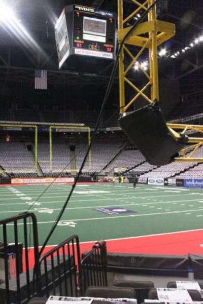 Jacksonville Veterans Memorial Arena, sección: 121, fila: D, asiento: 8