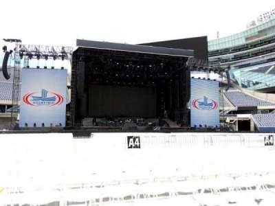 Soldier Field, sección: B4, fila: 10, asiento: 19