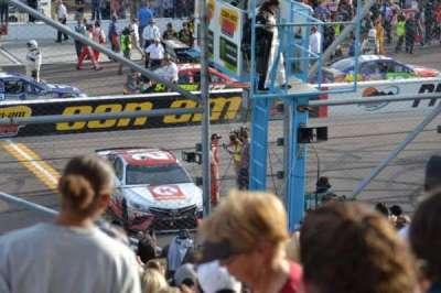 ISM Raceway, sección: AA, fila: 18, asiento: 8