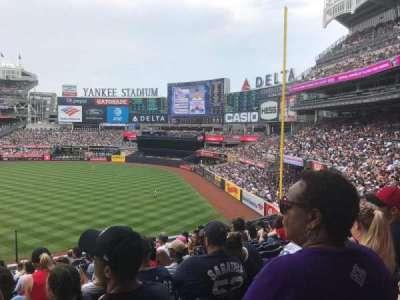 Yankee Stadium, sección: 211, fila: 13, asiento: 20