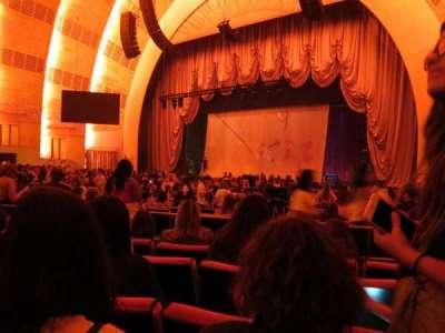 Radio City Music Hall, sección: Orchestra 2, fila: A, asiento: 205