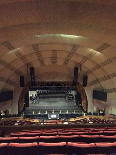 Radio City Music Hall, sección: 3rd Mezzanine 4, fila: H, asiento: 411