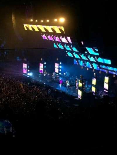 The Forum, sección: 209, fila: 3, asiento: 13