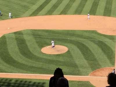 Wrigley Field, sección: 516, fila: 6, asiento: 1