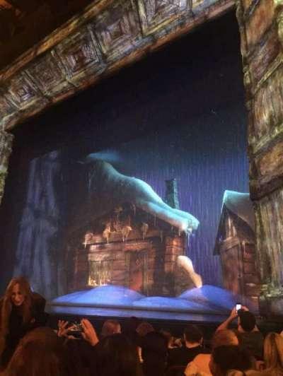 St. James Theatre, sección: ORCHR, fila: F, asiento: 14