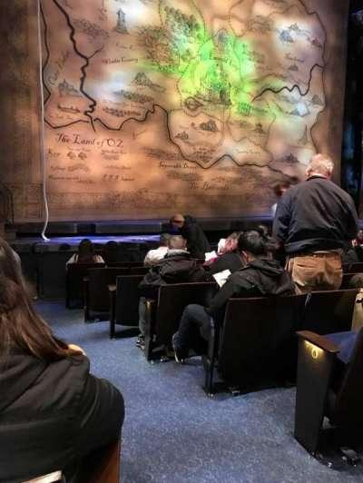 Gershwin Theatre, sección: Orchestra L, fila: D, asiento: 1