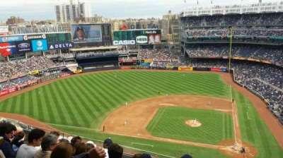 Yankee Stadium, sección: 423, fila: 6, asiento: 1