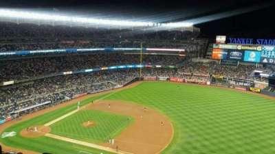 Yankee Stadium, sección: 413, fila: 7, asiento: 26