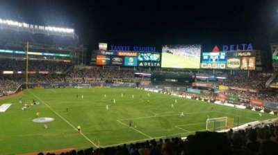 Yankee Stadium, sección: 216, fila: 16, asiento: 20