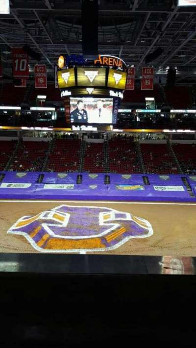 PNC Arena, sección: 220 , fila: a, asiento: 6