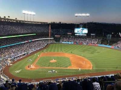 Dodger Stadium, sección: 10RS, fila: R, asiento: 21