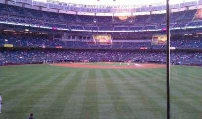 Yankee Stadium, sección: Mohegan Sun Sports Bar, fila: 1, asiento: 1