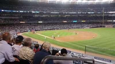 Yankee Stadium, sección: 211, fila: 4, asiento: 19