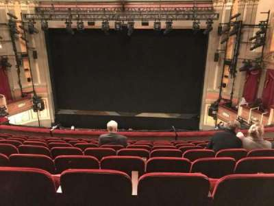 Neil Simon Theatre, sección: MEZZC, fila: J, asiento: 118 And 119