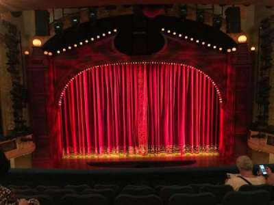 Shubert Theatre, sección: MEZZC, fila: F, asiento: 107 And 108