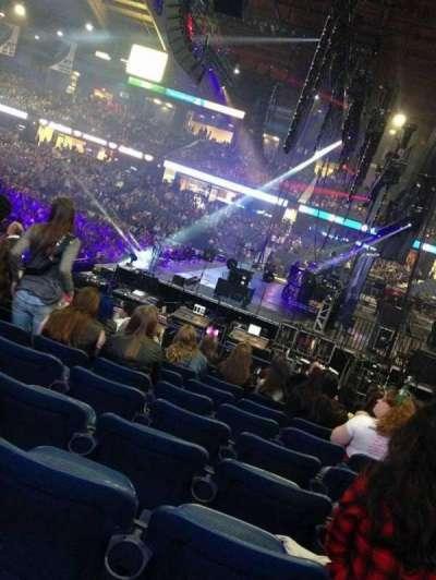 Allstate Arena, sección: 110, fila: E , asiento: 9