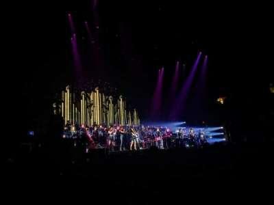 Allstate Arena, sección: 102, fila: CC, asiento: 17